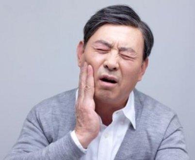 春天容易牙龈肿痛的原因及预防方法